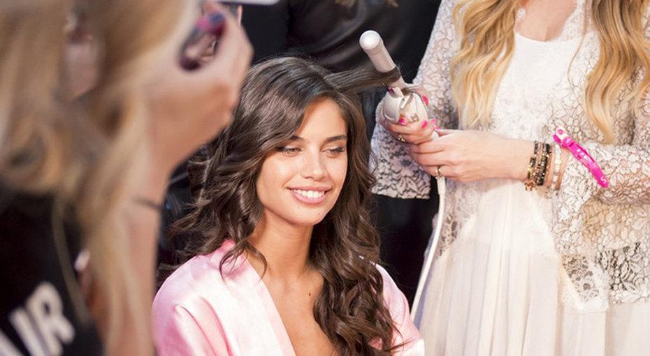 Идеальные локоны: стилист Victoria's Secret раскрывает секреты