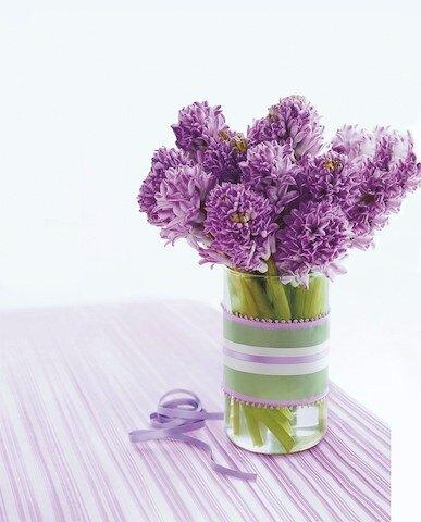 Гиацинты в вазе