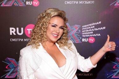 «Как всегда, полон дом мужчин»: Анна Семенович рассказала оботношениях