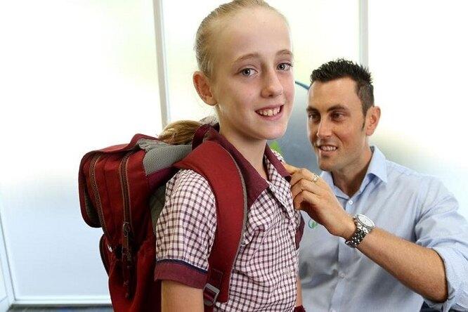 Школьные рюкзаки невлияют наздоровье подростков, утверждают врачи