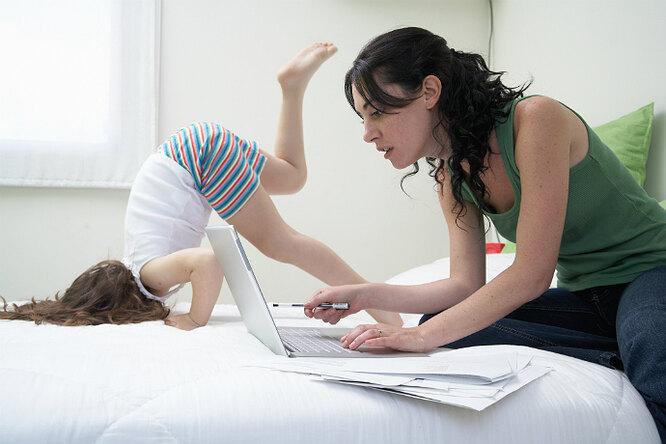 Начальница впижаме: что запрещено говорить маме, работающей издома