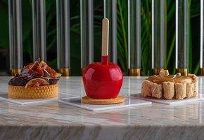 3 ярких десерта осени: кленовый тарт, карамельное яблоко и тарталетка с инжиром