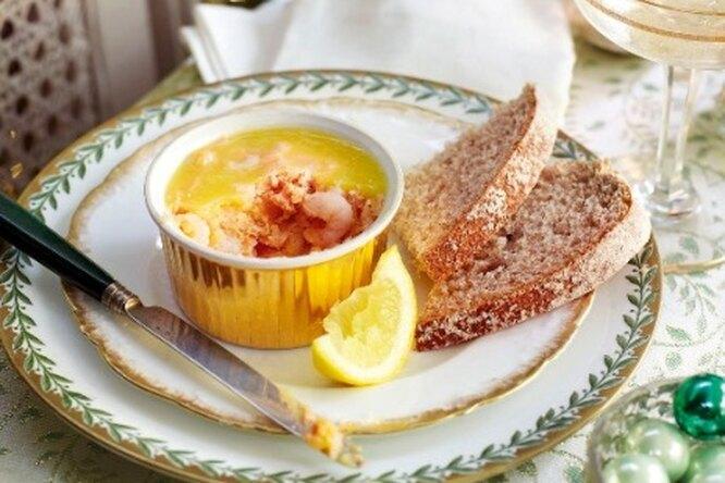Закуска из лосося с креветками