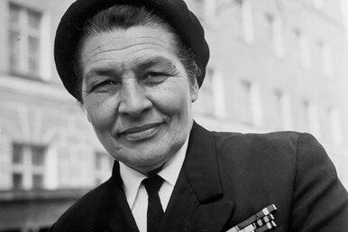 Капитан Анна: покорительница льдов, хозяйка морей, первая впрофессии