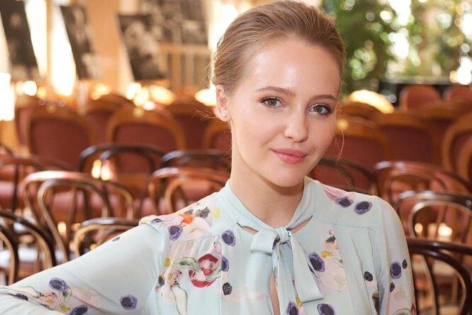 «Хочется накормить»: Юлия Хлынина из«Звоните ДиКаприо» показалась вкупальнике