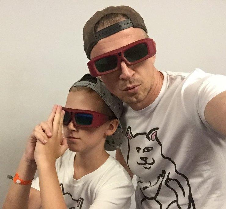Антон Комолов: «Изо всех сил стараюсь быть незанудным отцом»