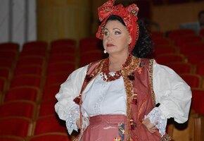 «Редкие архивные фотографии»: Надежда Бабкина написала автобиографию