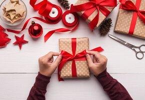 10 подарков на Новый год для дома: одеяла, свечи, чашки в стиле Хюгге