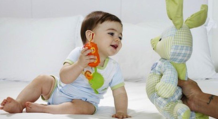 Почему ребенок неговорит (и как его научить)