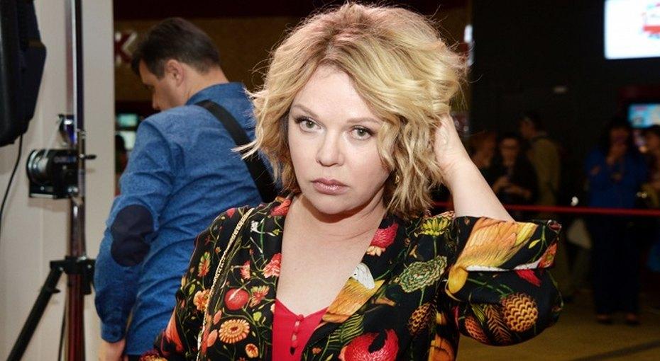 «Хочу замуж свыгодой!» 55-летняя Елена Валюшкина выбирает жениха изтрех поклонников