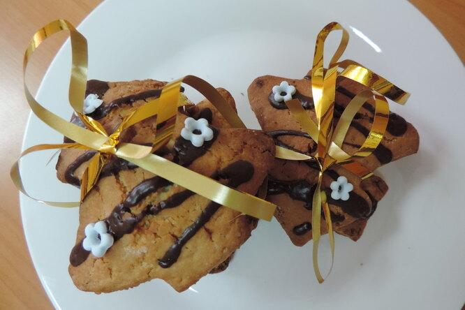 Печенье с грильяжной крошкой