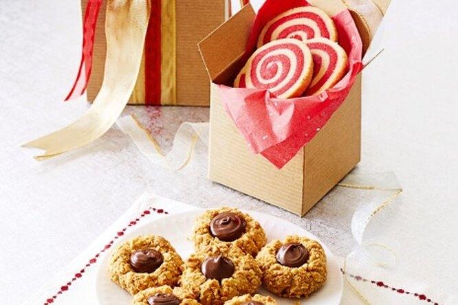 Арахисовое печенье с шоколадом и малиной