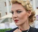 «Вы тут похожи наЗемфиру»: Рената Литвинова вюности восхитила поклонников