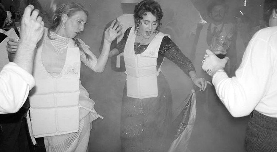 """«Трагедия """"Титаника"""" - нетема длявечеринки!» Поклонники осудили день рождения певицы Адель"""