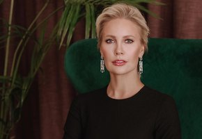 «Светитесь изнутри»: Елена Летучая выложила романтичное фото с мужем