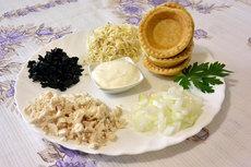 Жюльен по-гречески в тарталетках