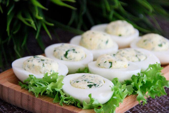 Дьявольские яйца: 7 начинок дляпопулярной закуски