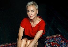 «45 – не приговор»: Дарья Повереннова снялась в откровенном образе