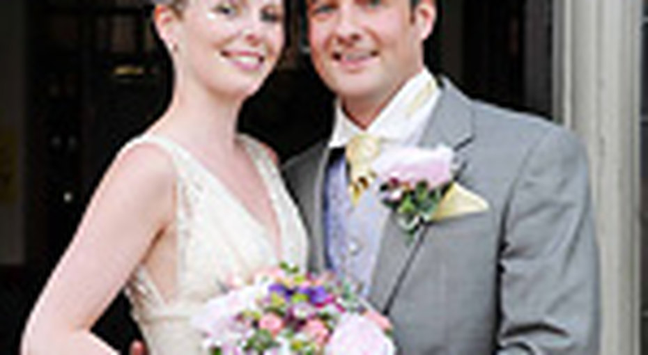 Пара сыграет свадьбу 30 раз