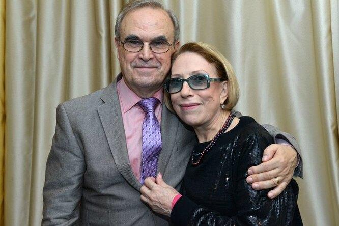 76-летняя Инна Чурикова опубликовала трогательное семейное фото смужем исыном