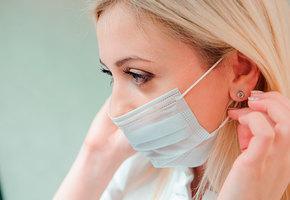 Вирус не пройдет: как правильно носить медицинскую маску (видео)