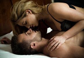 Камасутра: 5 секс-позиций для активных дам. Он будет в восторге!