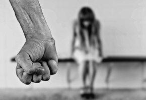 Муж три года держал жену в плену – вот как ей удалось сбежать