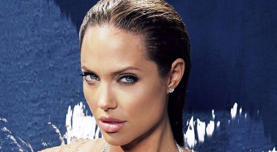 «Женщины должны быть злее»: Анджелина Джоли рассказала, как воспитывает трех дочерей