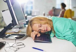 «Кризис 15 часов»: как побороть послеобеденную сонливость