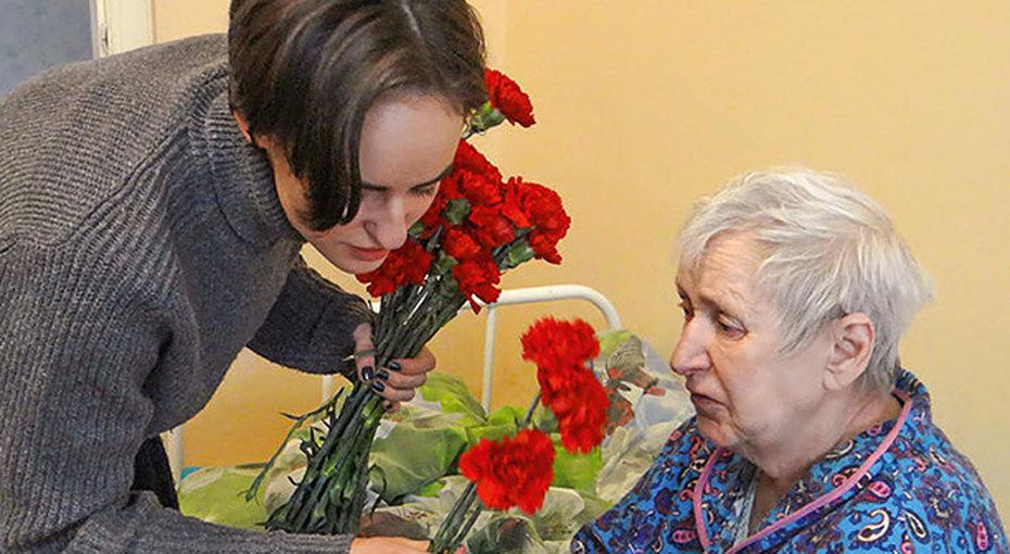 Забота непо календарю. Кто поговорит ожизни сбабушкой вдоме престарелых?