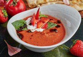 Гаспачо с клубникой, суп из манго и идеальный свекольник – холодные супы для жарких дней