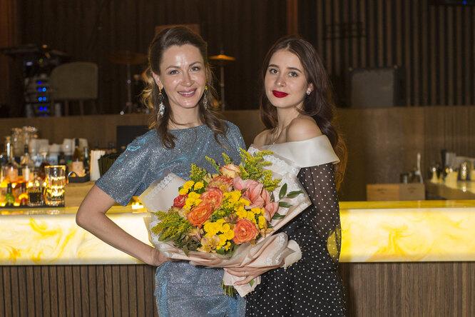 Екатерина Директоренко отметила премьеру сериала «Толя-Робот»