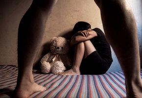 Женщина, пережившая в детстве насилие: «Недостаточно просто научить ребенка не разговаривать с незнакомцами»