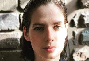 «Такая тоненькая!»  Юлия Снигирь восхищает эффектным домашним фото в комбинации
