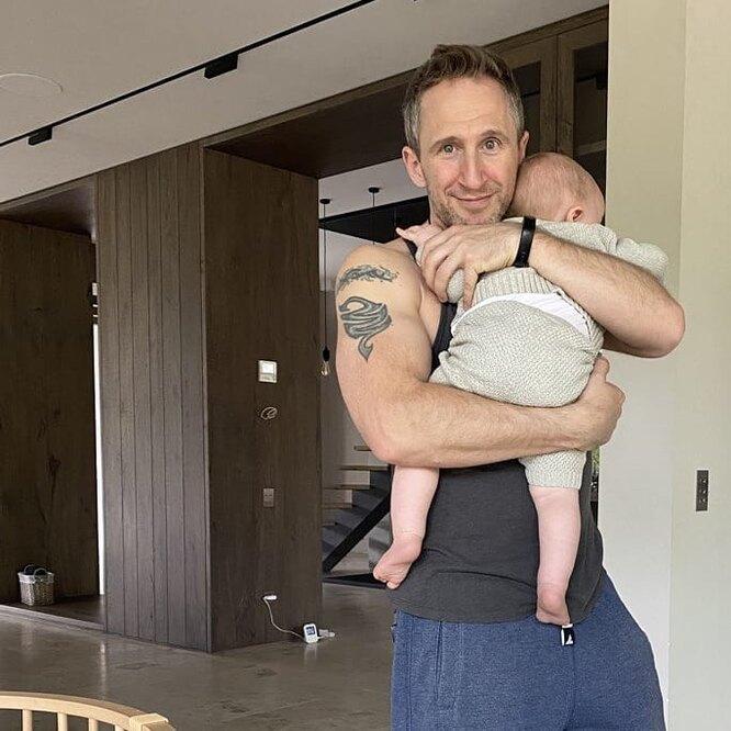 Оскар Кучера с сыном Марком фото