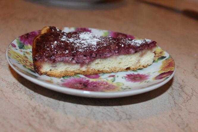Пирог с творогом и вареньем