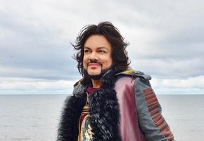 «Петр Первый или викинг?» Поклонники обсуждают новое фото Филиппа Киркорова