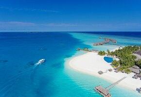 Бирюзовая вода, бесконечное небо. Почему ваш следующий отпуск нужно провести на Мальдивах?
