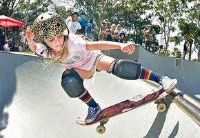 Принцесса на скейте: 6-летняя чемпионка катается лучше мальчишек