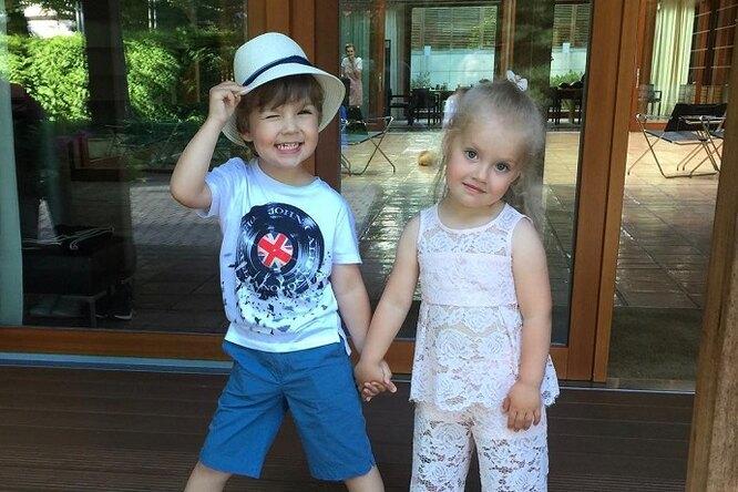 Кристина Орбакайте опубликовала фото трогательной дружбы ее дочери сдетьми Галкина иПугачевой