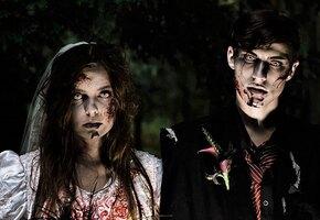 Кровь на платье и торт из мозгов: «зомби-молодожены» стали звёздами