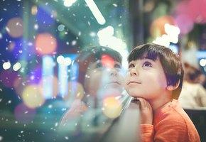 Подать нищему, отвезти подарки сиротам и другая вредная помощь накануне праздников