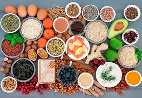 Чеснок, петрушка и соя: самые полезные продукты для женщин во время менопаузы