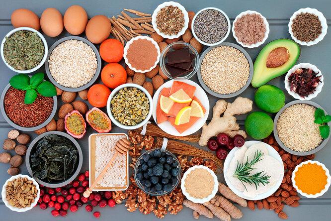 Чеснок, петрушка исоя: самые полезные продукты дляженщин во время менопаузы