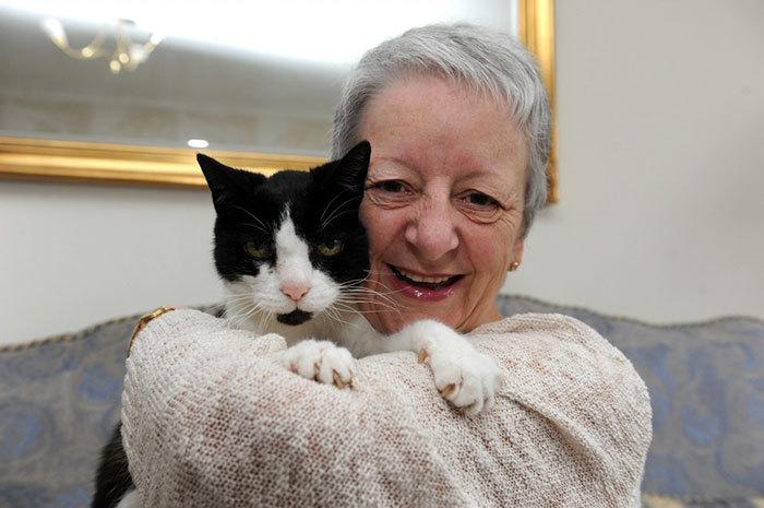 Сью Маккензи иее кот Том
