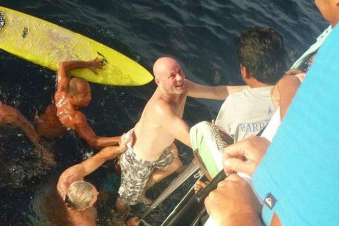 Мужчина выжил, проведя 29 часов вморе. Как ему это удалось?