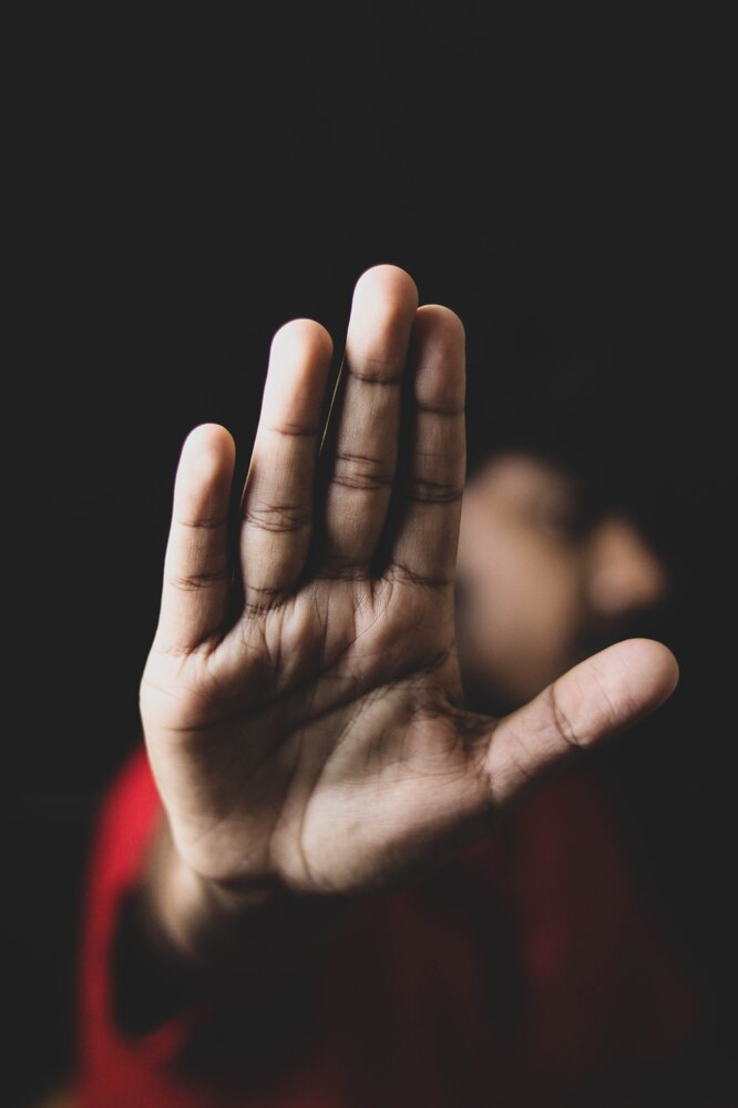 рука, домашнее насилие