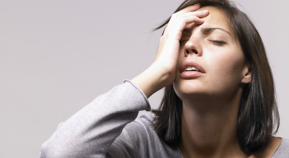 Боли вгруди, дрожь вруках, провалы впамяти иеще 4 страшных симптома, которых нестоит бояться