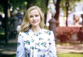«Выходной дарится самым главным»: Юлия Пересильд показала подросших дочерей