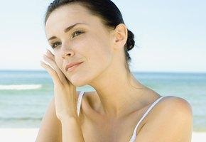 Молодость и красота надолго: 5 советов дерматологов тем, кто не хочет стареть